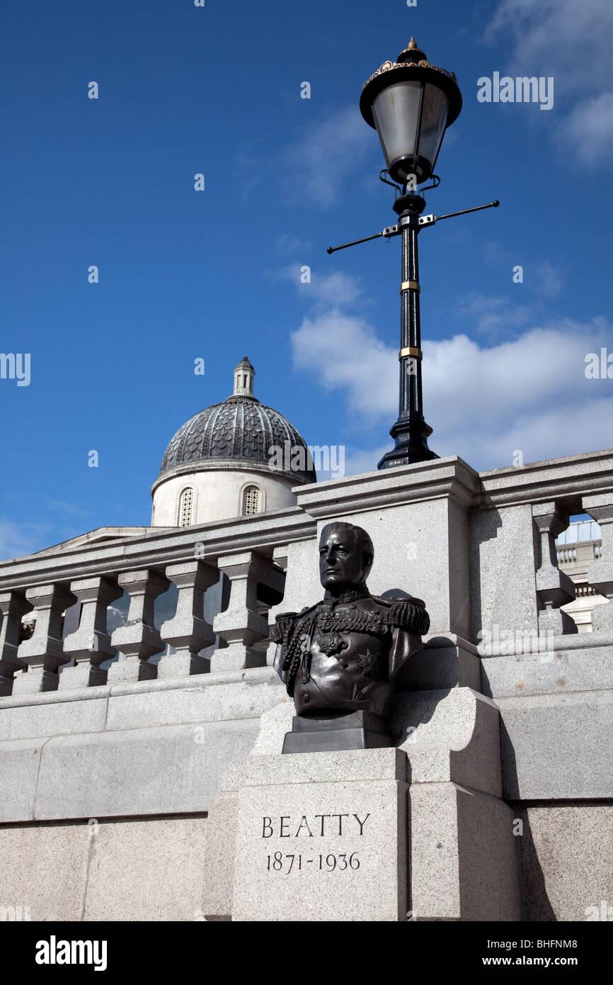 Busk de de 1er comte Beatty à Trafalgar Square Banque D'Images