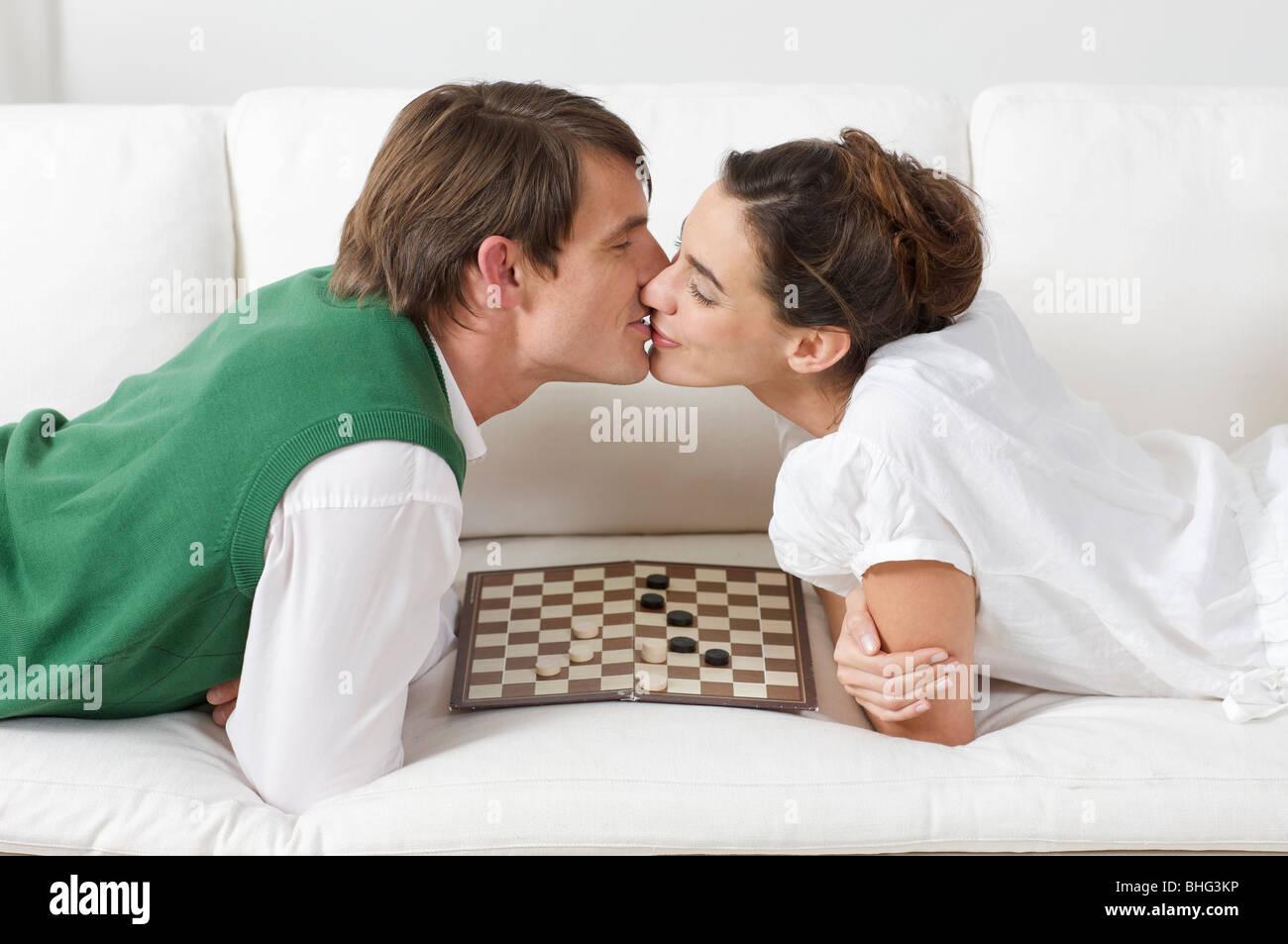 Deux amoureux et pas besoin de jeux de société Photo Stock
