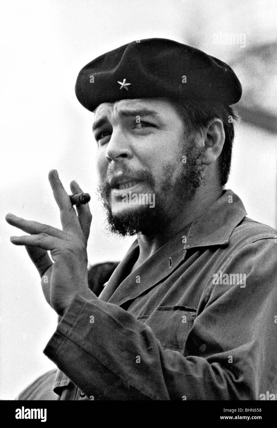 CHE GUEVARA AVEC CIGARE DANS LA HAVANE, CUBA 1961 Photo par Roberto Salas Photo Stock
