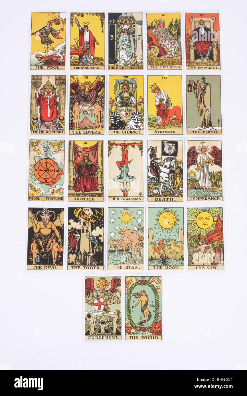 Les 22 Arcanes majeurs cartes dans un jeu de tarot traditionnel. Photo Stock