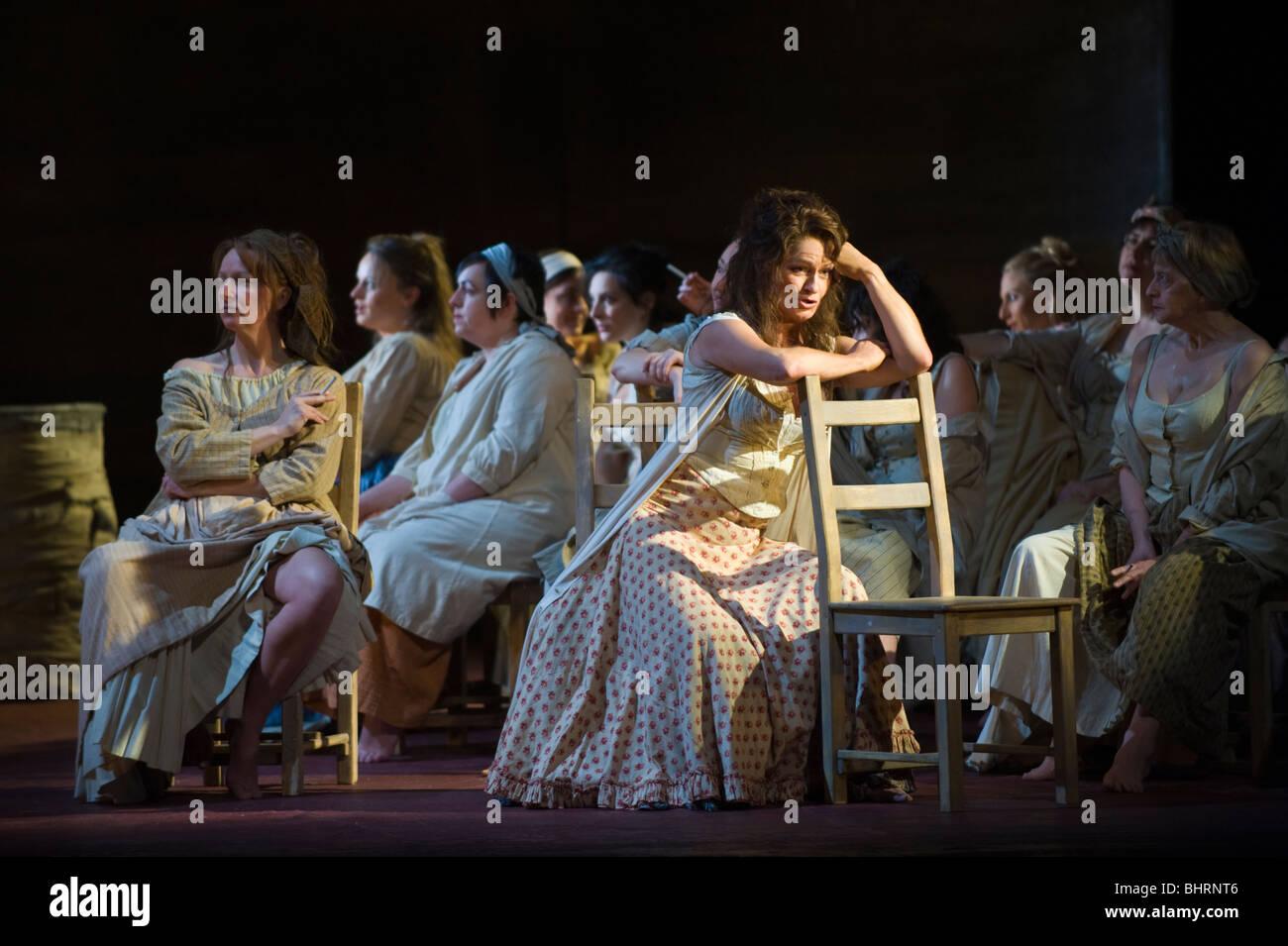 Welsh National Opera production de Carmen de Bizet au Wales Millennium Centre Cardiff South Wales UK Banque D'Images
