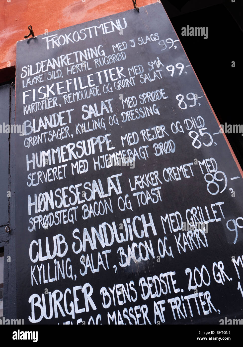 En dehors du menu de restaurant dans quartier de Nyhavn de Copenhague Danemark Photo Stock