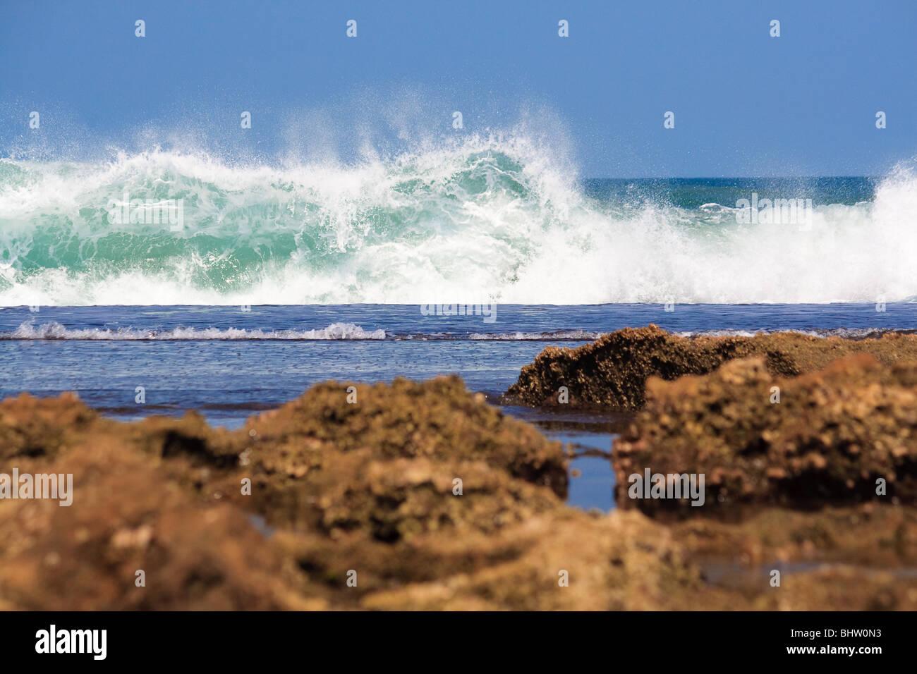 Plage de l'Atlantique Afrique Mozambique Xai-Xai Mer Ciel Photo Stock