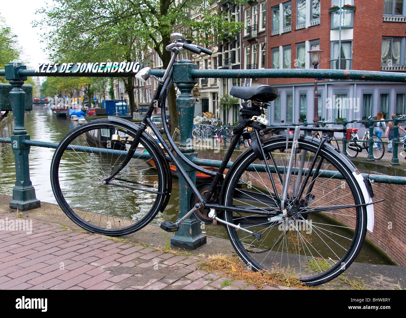 Location sur un pont-canal, Amsterdam, Pays-Bas Banque D'Images
