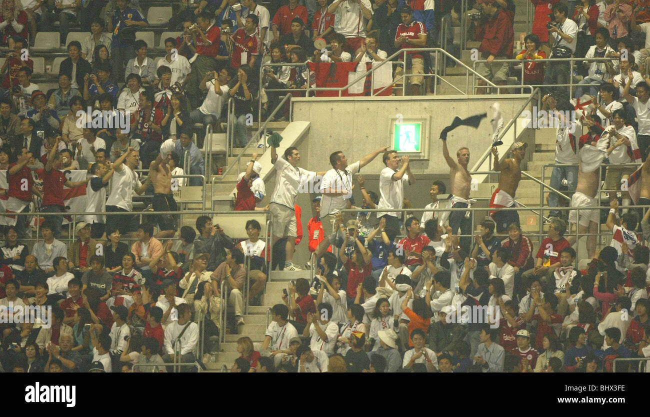 Coupe du Monde Juin 2002 Deuxième tour. Les partisans de l'Angleterre célèbre pendant leur match Photo Stock