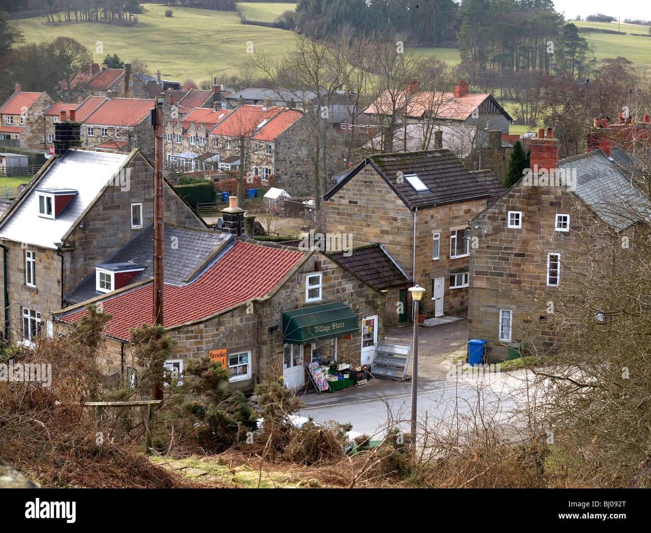 maisons de grès et un ancien magasin du village dans la vallée de