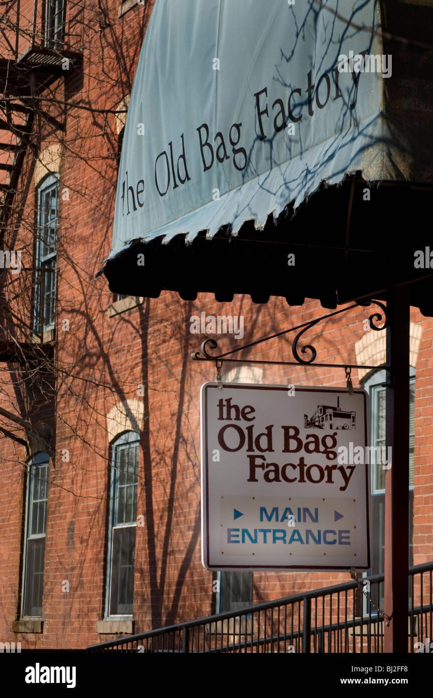 Le vieux sac Factory dans Goshen, Indiana est célèbre pour ses magasins d'antiquités et d'artisanat. Photo Stock