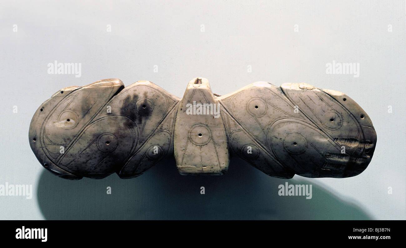 Winged objet utilisé comme stabilisateur sur l'arbre d'un harpon, Esquimau, île de St Lawrence. Photo Stock