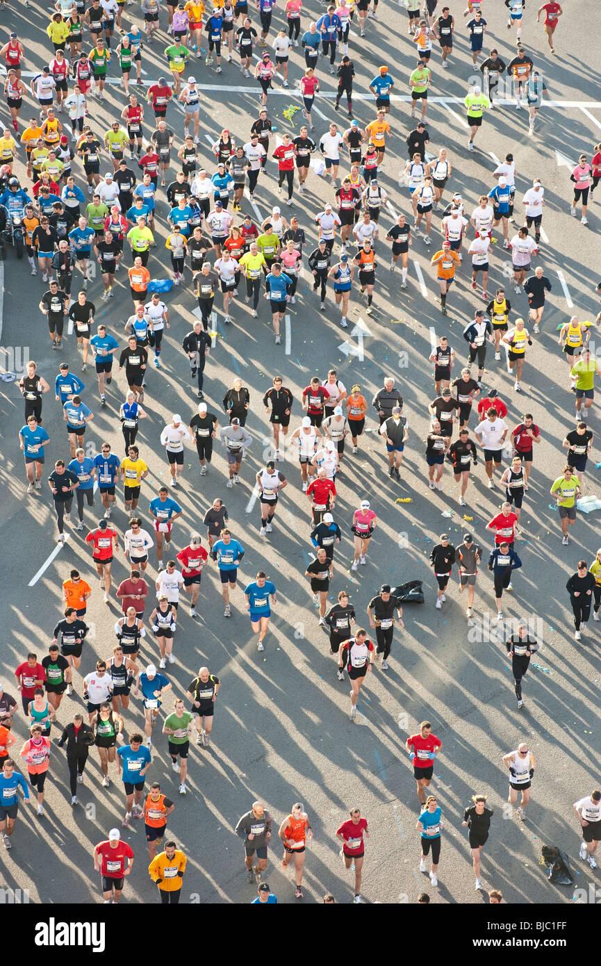 Les participants au Marathon de Barcelone 2010. Photo Stock
