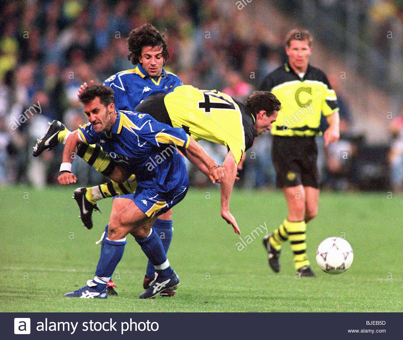 La FINALE DE LA LIGUE DES CHAMPIONS 1996/1997 SAISON DORTMUND v JUVENTUS STADE OLYMPIQUE - DORTMUND Juventus' Photo Stock