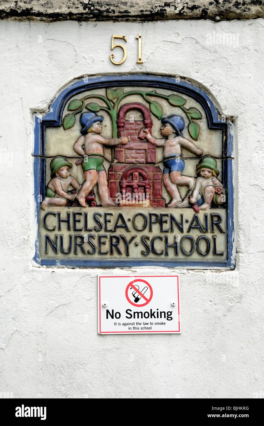L'École Maternelle plein air Chelsea London England UK plaque Banque D'Images