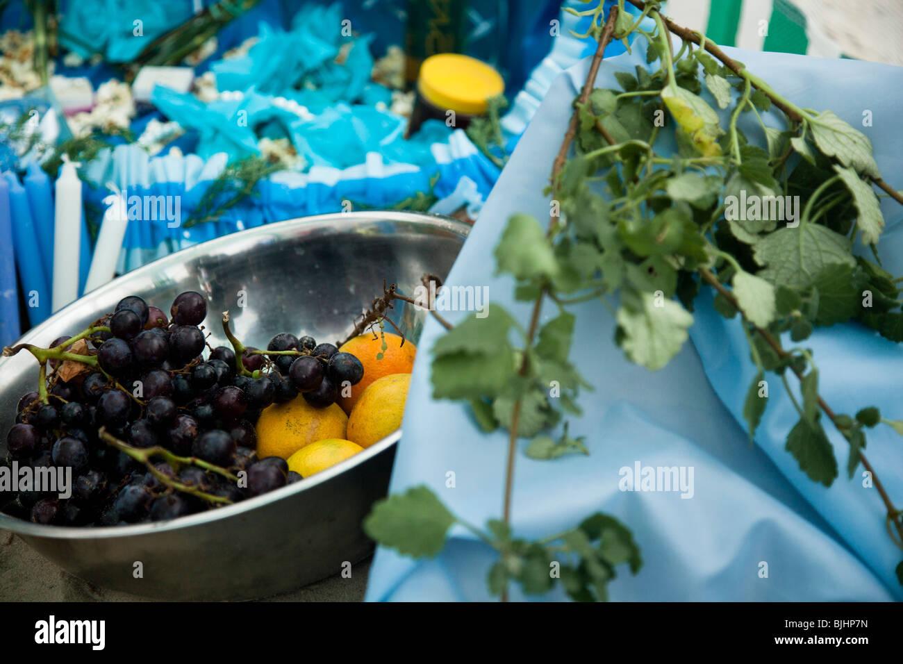 """L'épargne à la rituelle """"journée de Yemanja"""", déesse de l'eau, à Montevideo, Photo Stock"""