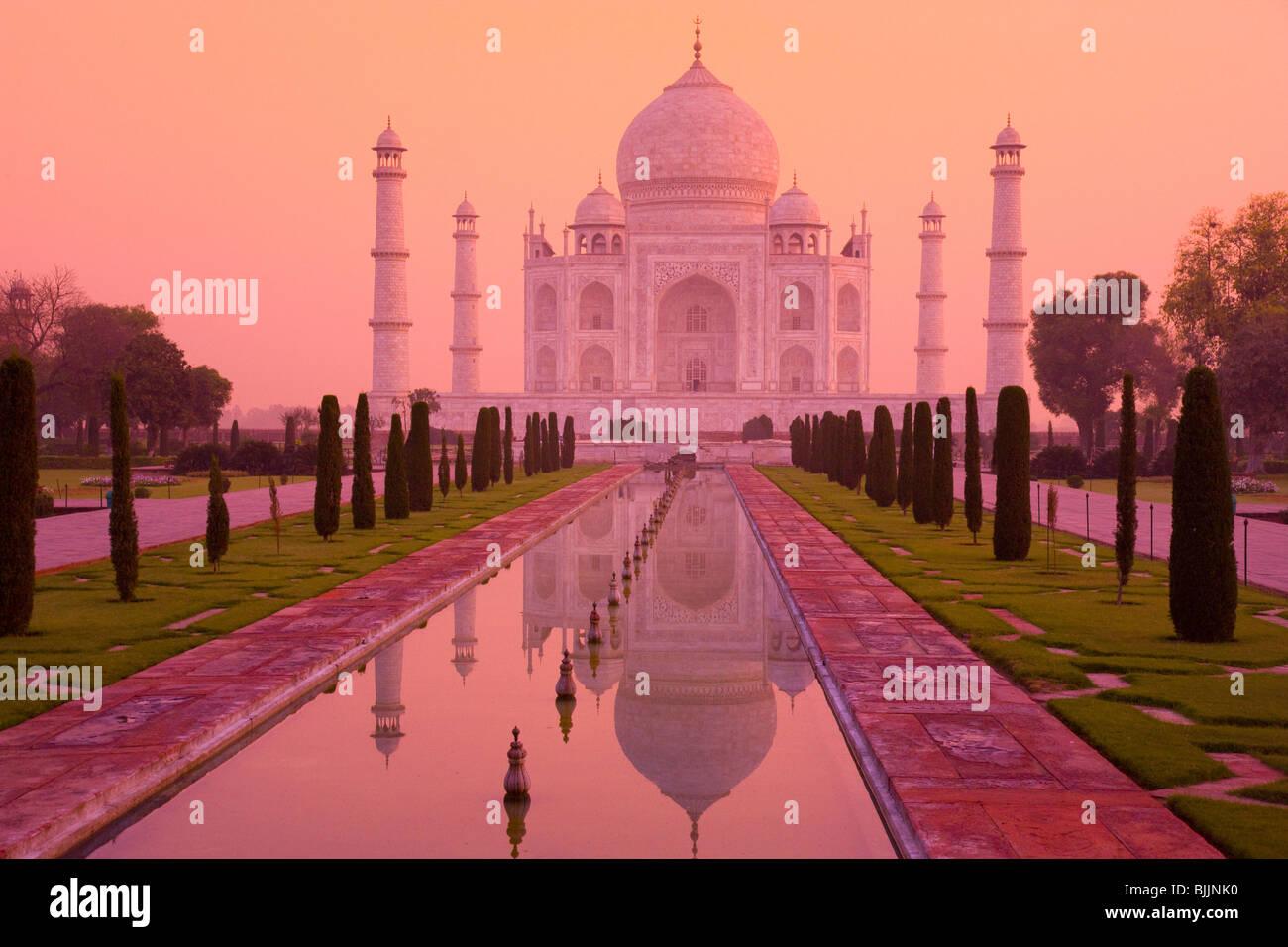 Taj Mahal, Agra, Inde, UNESCO World Heritage Site, construit en 1631 par Shal Jahan pour épouse Mumtaz Mahal Photo Stock
