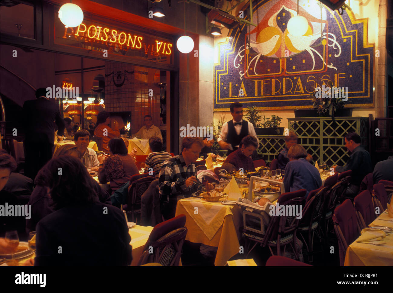 Peuple Belge Les Touristes Salle A Manger Manger Diner