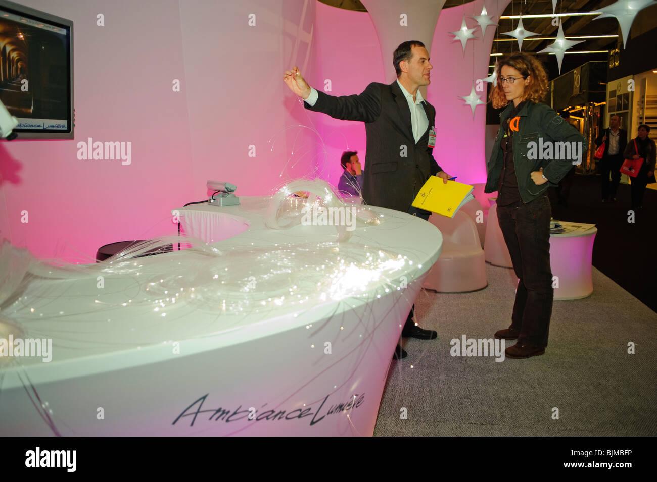 Paris, France, Shopping, matériel de construction, l'éclairage LED Co., Ambiance Lumiere, afficher Photo Stock
