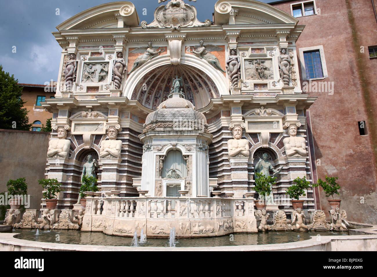 L'Orgue Fontaine, 1566, l'organe d'habitation pipies entraînée par l'air des fontaines. Photo Stock