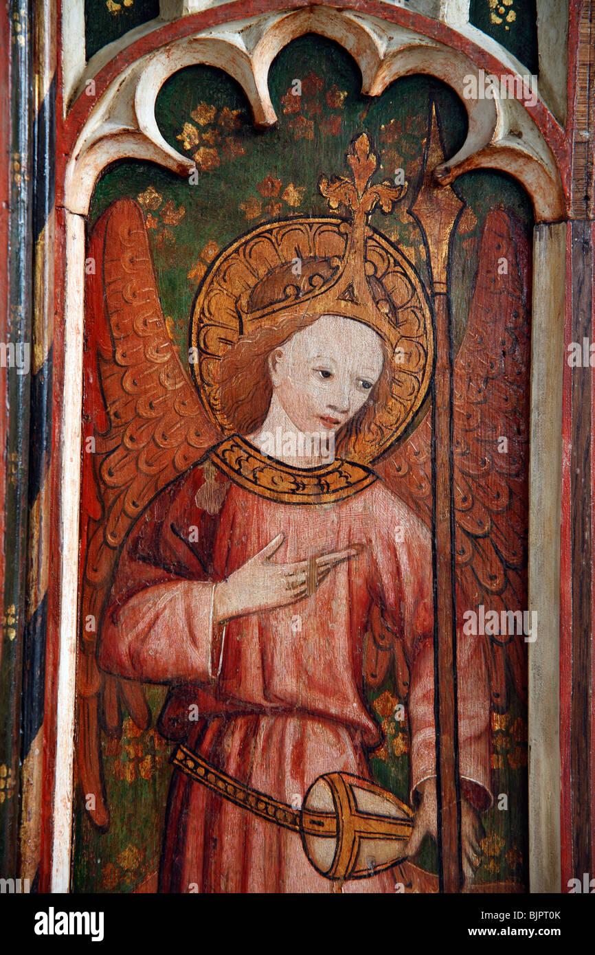 Jubé peint représentant un ange gardien, St Michel et tous les Anges, Barton Turf, Norfolk Photo Stock