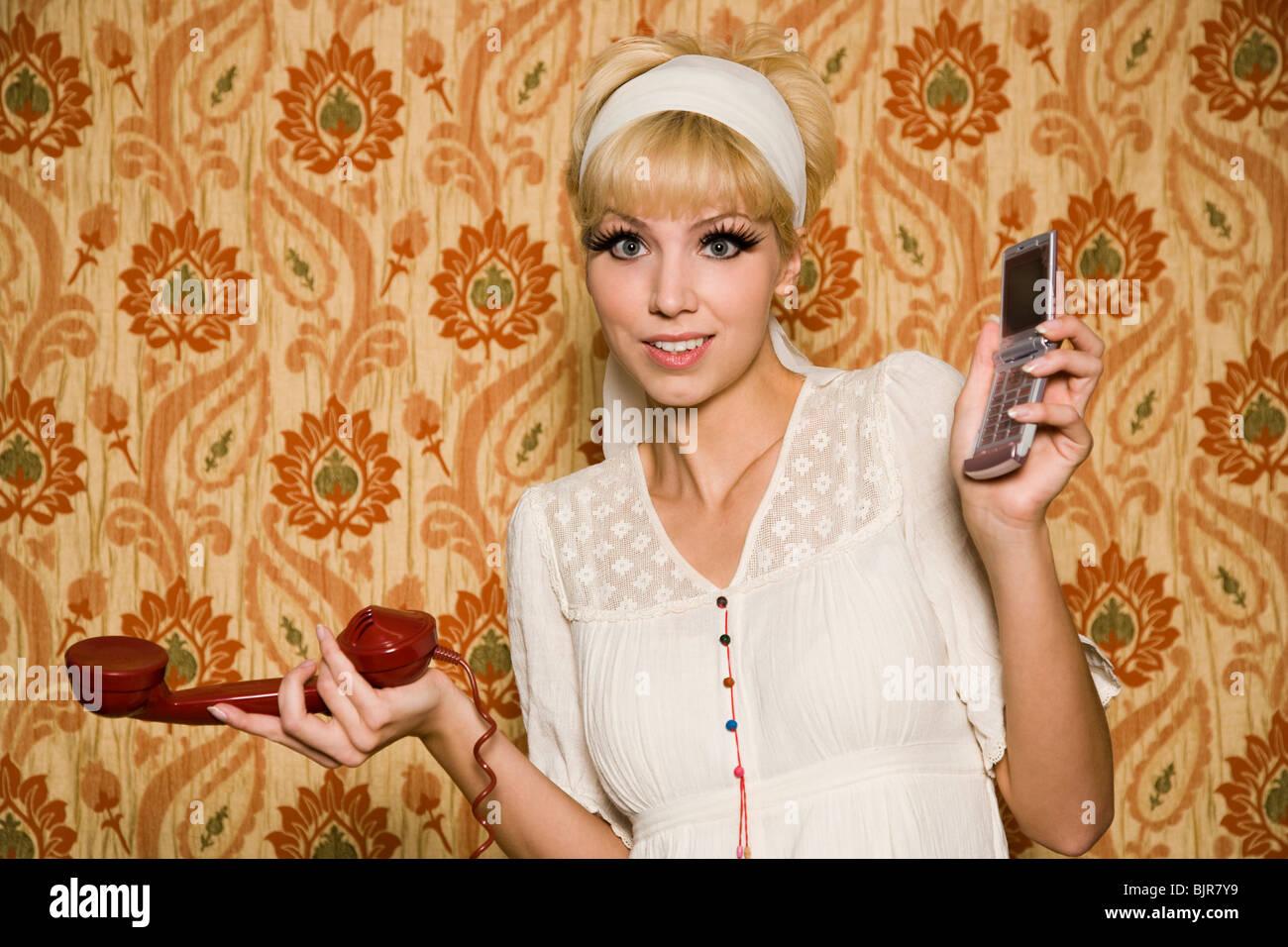 Femme en tenue des années 60 Photo Stock