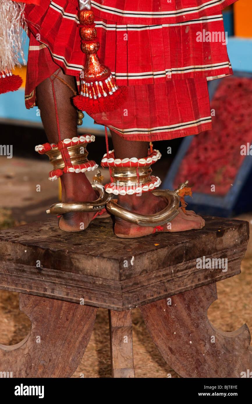 L Inde Le Kerala Cannanore Kannur D Cor Es Theyyam Jambes De