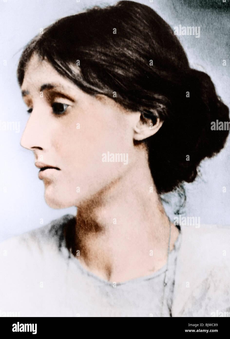 Virginia Woolf, anglais romancier, essayiste et critique, au début du xxe siècle. Artiste: Inconnu Photo Stock