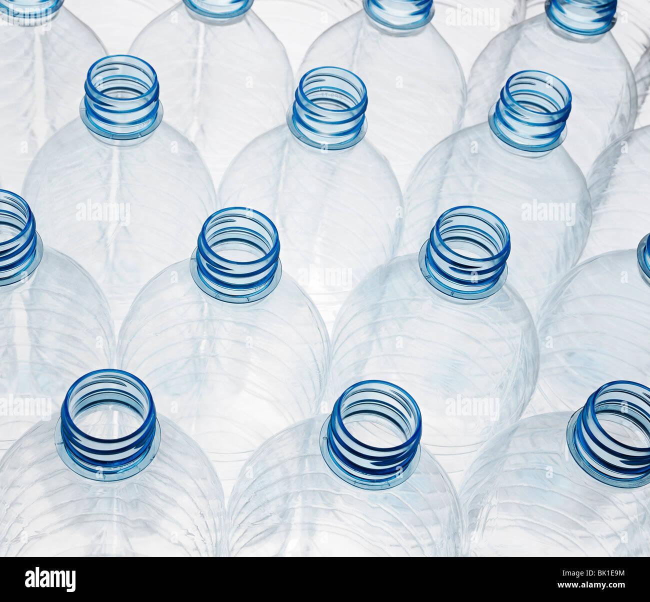 Les bouteilles en plastique prêtes pour le recyclage Photo Stock