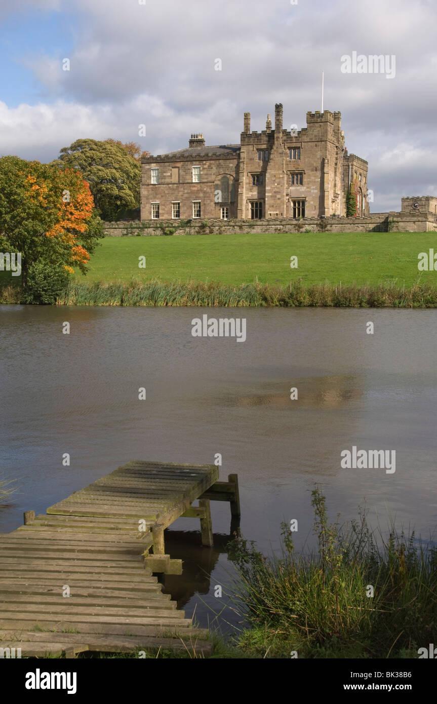 Ripley Castle, datant du 16e siècle, North Yorkshire, Angleterre, Royaume-Uni, Europe Photo Stock
