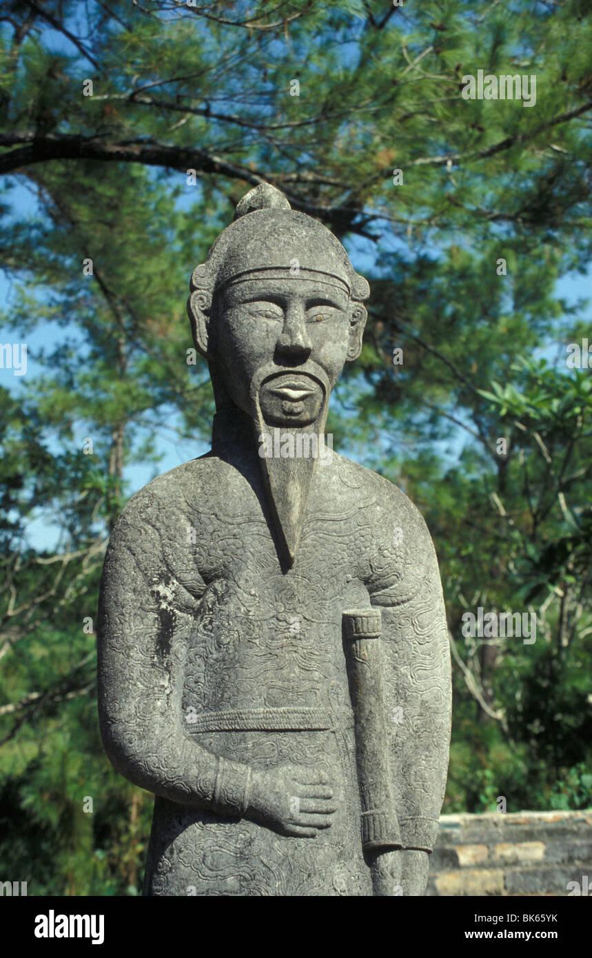 Guardian statue au Royal mausolées, Hue, Vietnam, Indochine, Asie du Sud-Est, l'Asie Photo Stock
