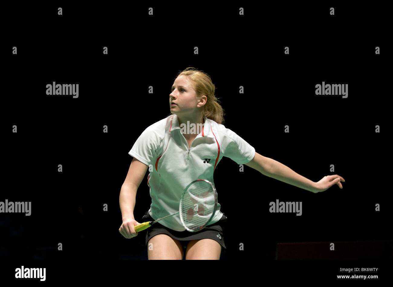Anna Narel se prépare à recevoir un service au Badminton Championships en 2010 Mancester Photo Stock