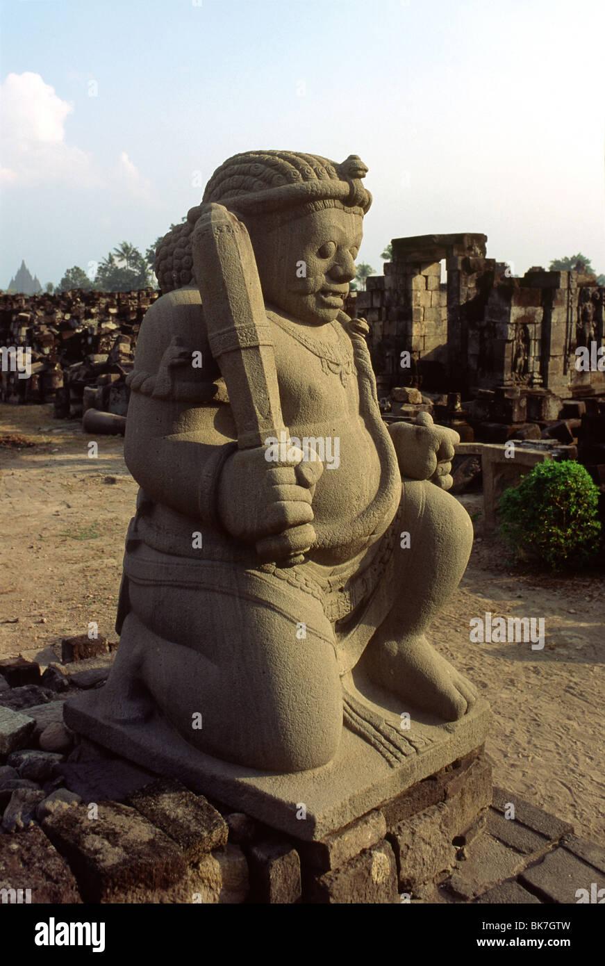 Guardian statue au temple de Candi Sewu, au nord-ouest de Yogyakarta, Java, Indonésie, Asie du Sud, Asie Photo Stock
