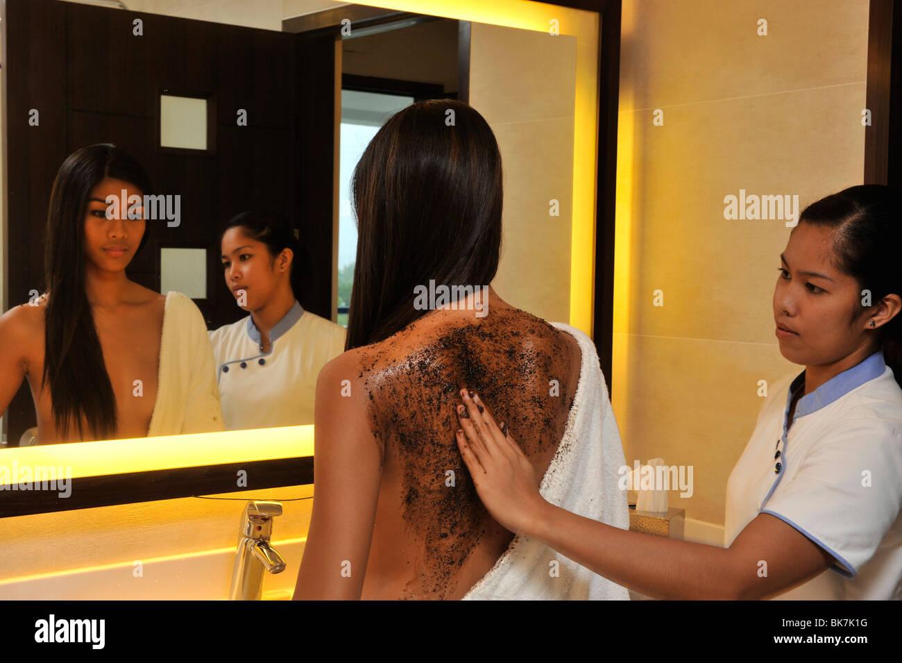 Exfoliant pour le corps, le spa de l'hôtel Thunderbird Resort, La Union, aux Philippines, en Asie du Sud Photo Stock