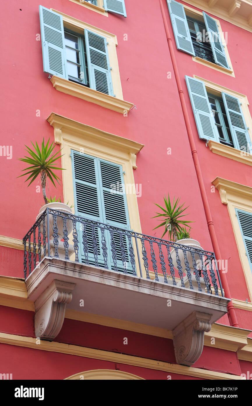 Couleurs Facades En Provence france cote d'azur provence cassis peint de couleurs vives