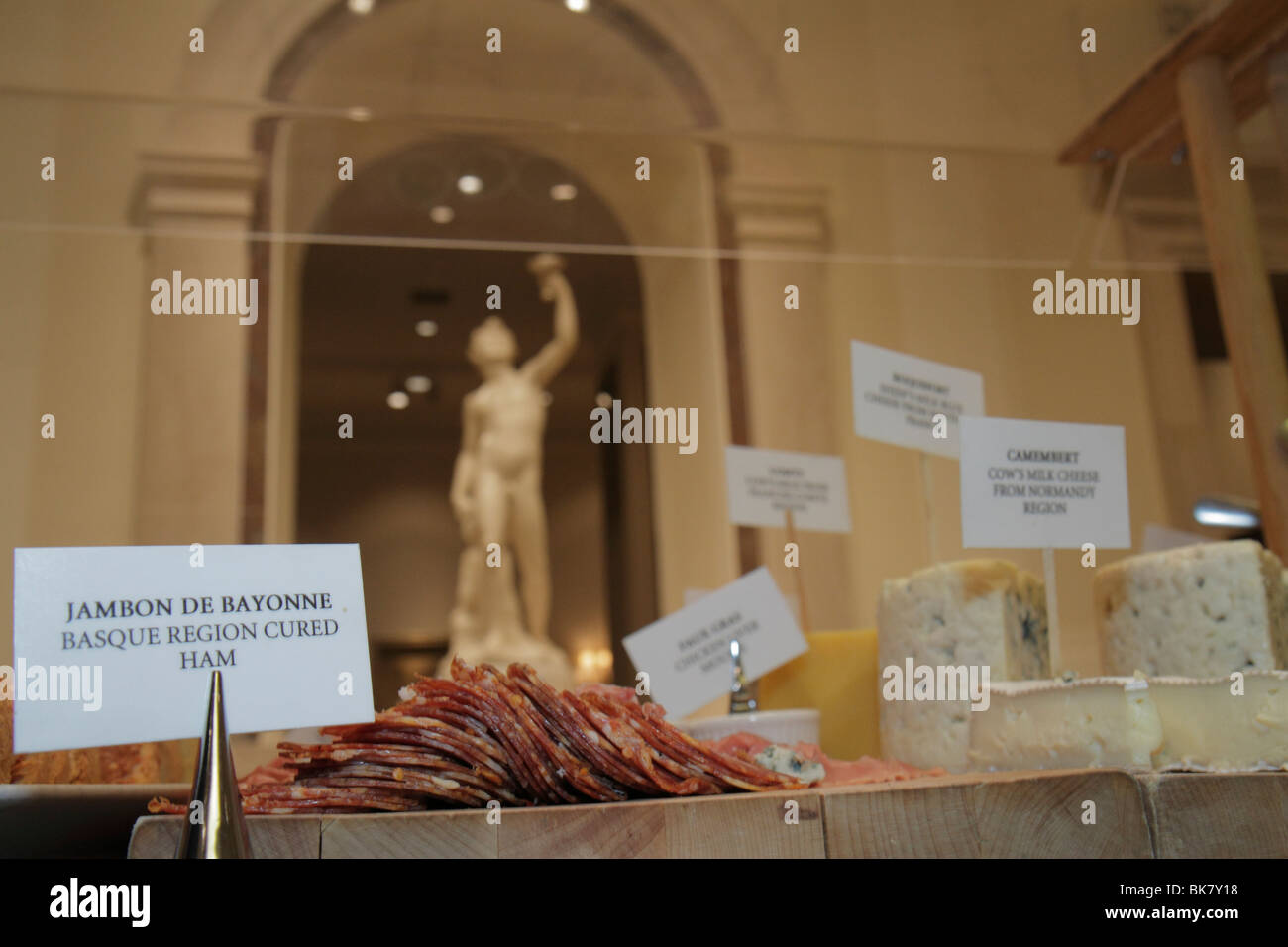 Washington DC, National Gallery of Art Museum West exposition Garden Cafe Francais buffet de cuisine française Photo Stock