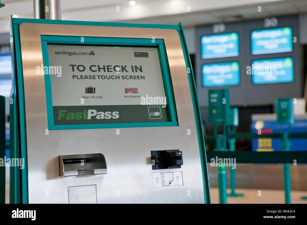 Terminal À Dans Lingus Le Aer L'enregistrement Automatique L 5jL4cRAqS3