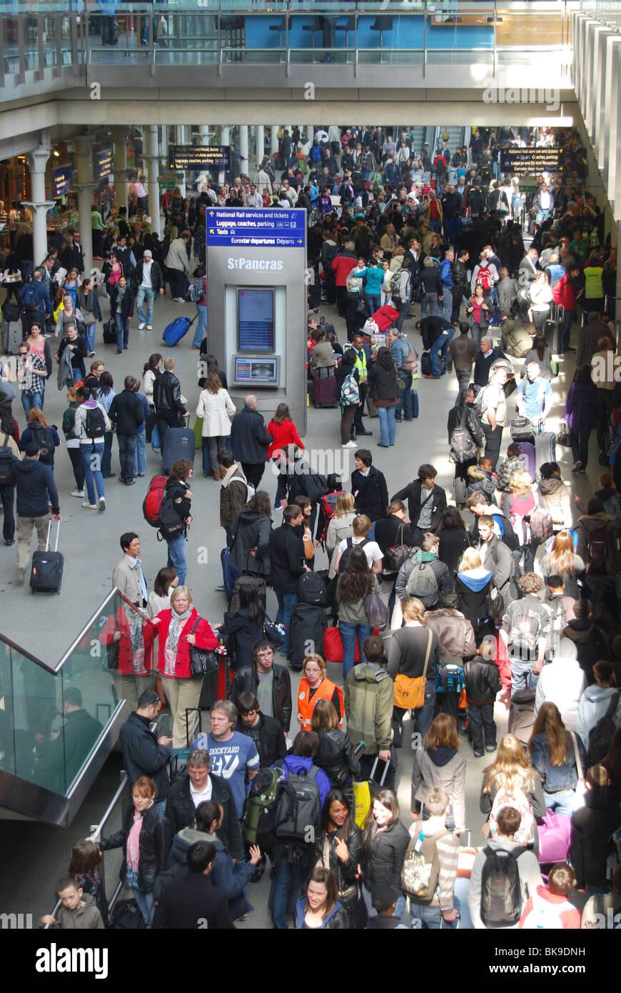 Billet Eurostar chaos Volcano Ash queue chaotique de l'Islande Photo Stock