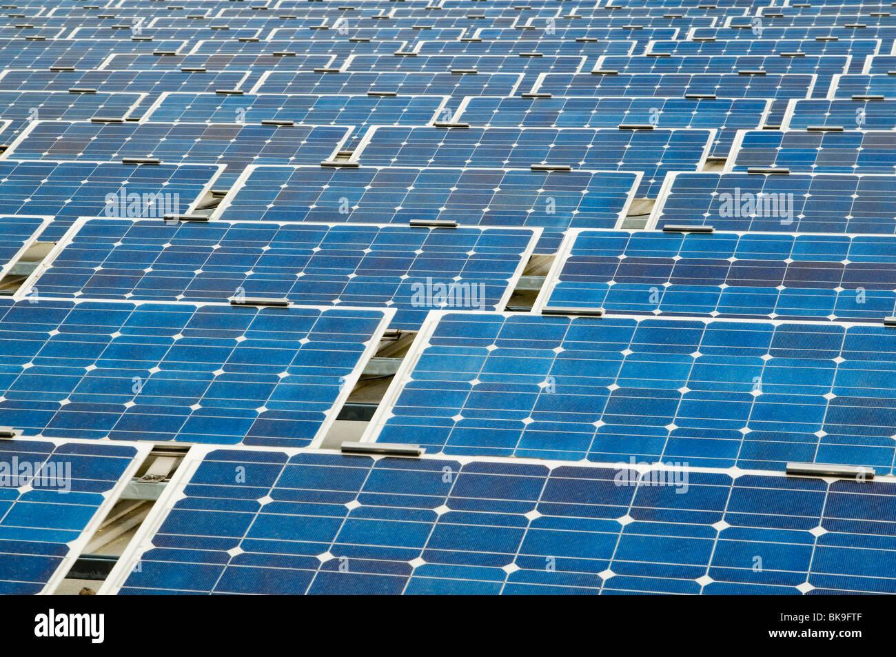 Grand système d'énergie solaire Photo Stock
