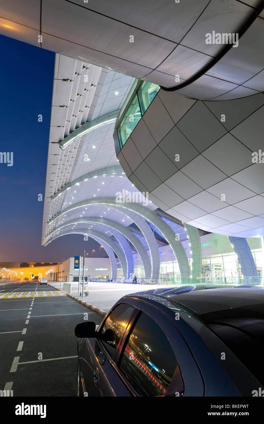 L'architecture moderne et élégante de la 2010 s'est ouvert la borne 3 de l'Aéroport International Photo Stock