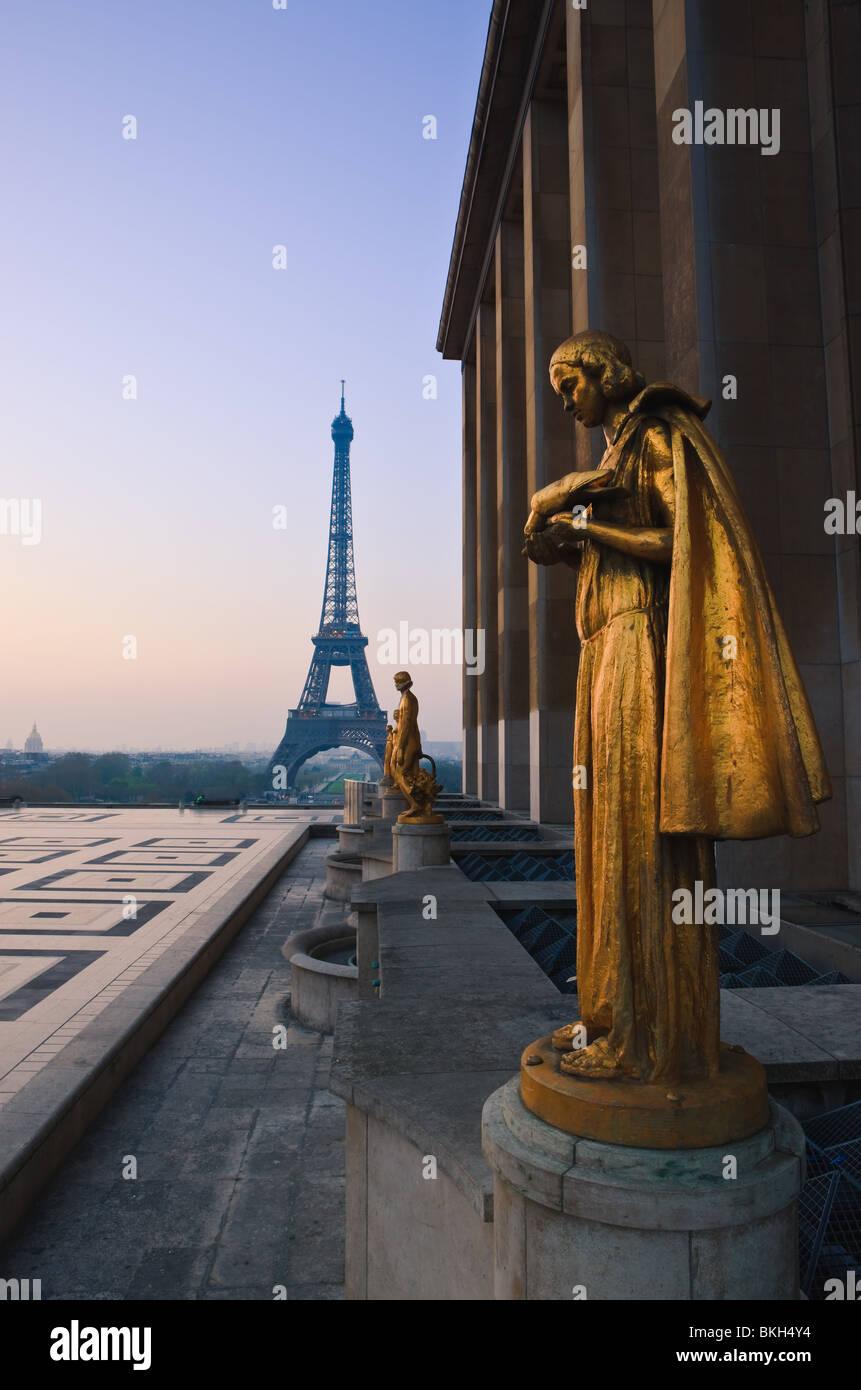 Lever du soleil au Palais de Chaillot, Trocadéro, Paris Photo Stock