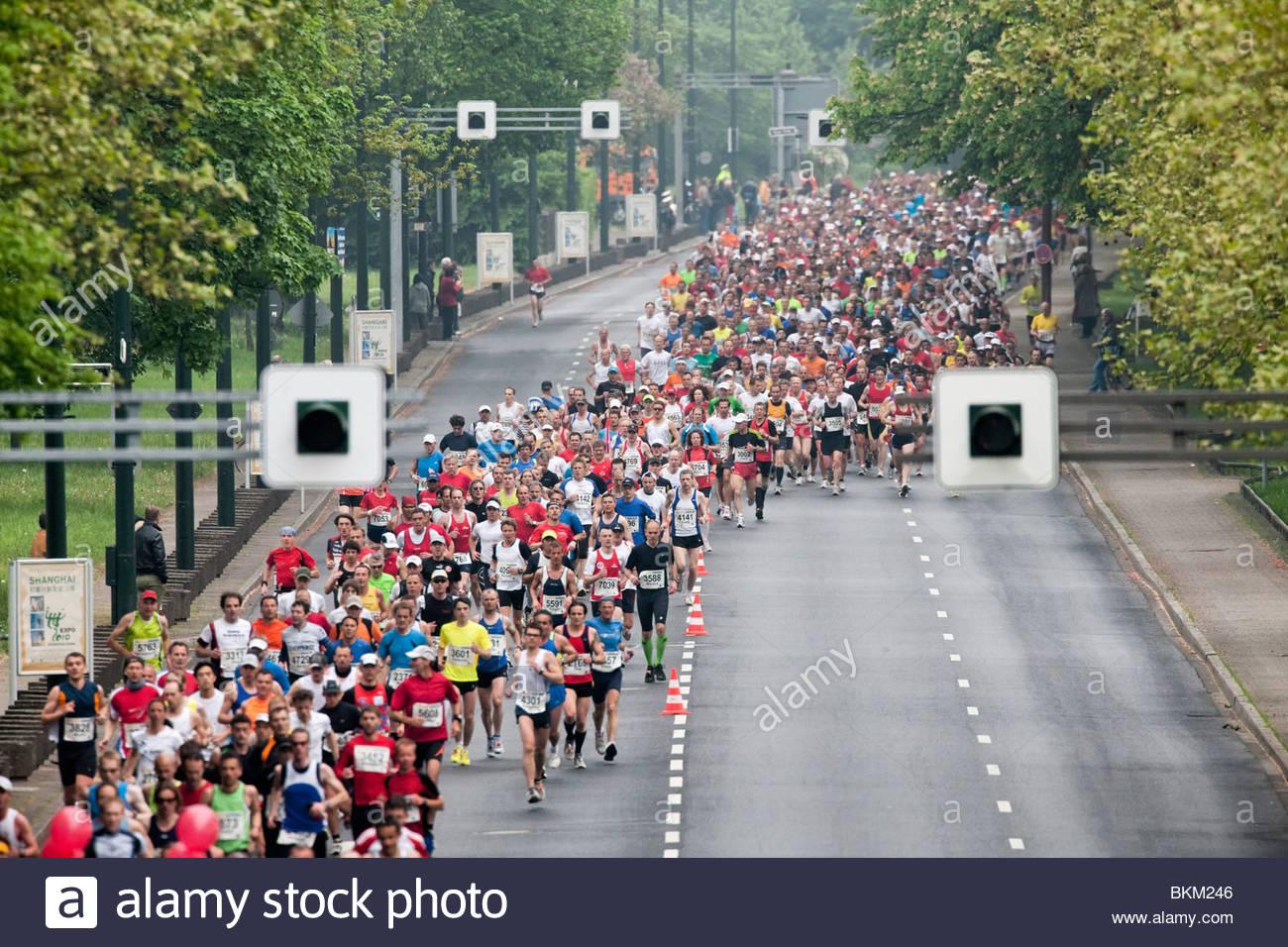 Les coureurs de marathon Photo Stock