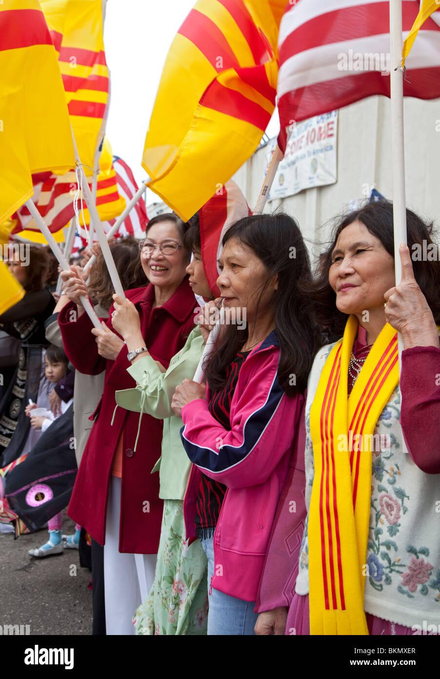 Les Vietnamiens et les Américains Mark 35e anniversaire de la chute de Saigon Photo Stock