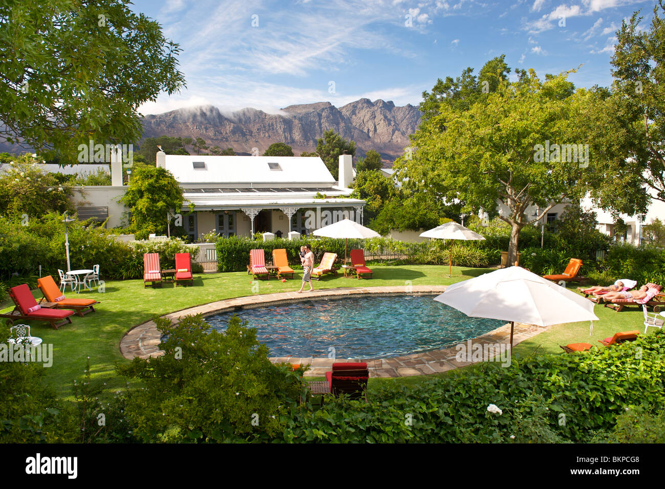 Vue de la piscine de l'hôtel Le Quartier Francais, Franschhoek, Province de Western Cape, Afrique du Sud. Photo Stock