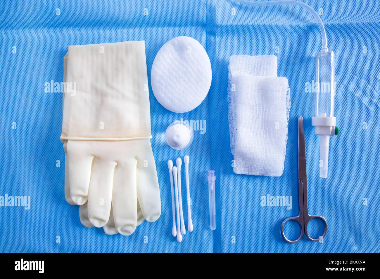 Des instruments médicaux utilisés pour une opération de la cataracte Photo Stock