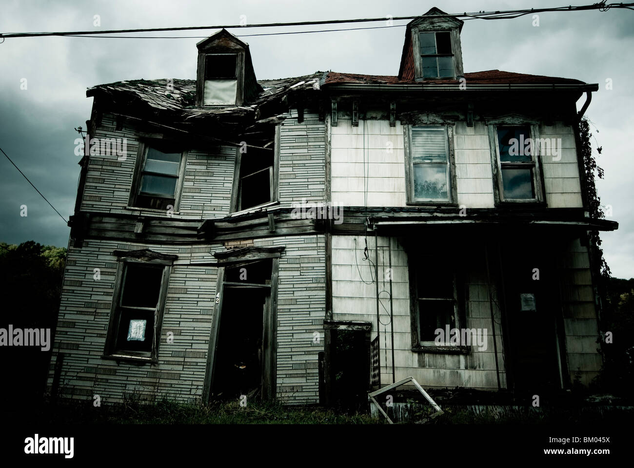 Une maison délabrée et abandonnée en Pennsylvanie, USA. Photo Stock