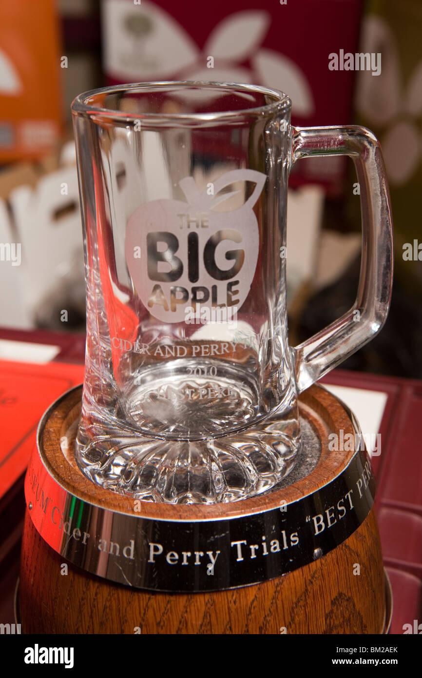 Royaume-uni, Angleterre, Herefordshire, Putley, Big Apple Event, meilleur prix Perry à James Marsden de Gregg's Photo Stock