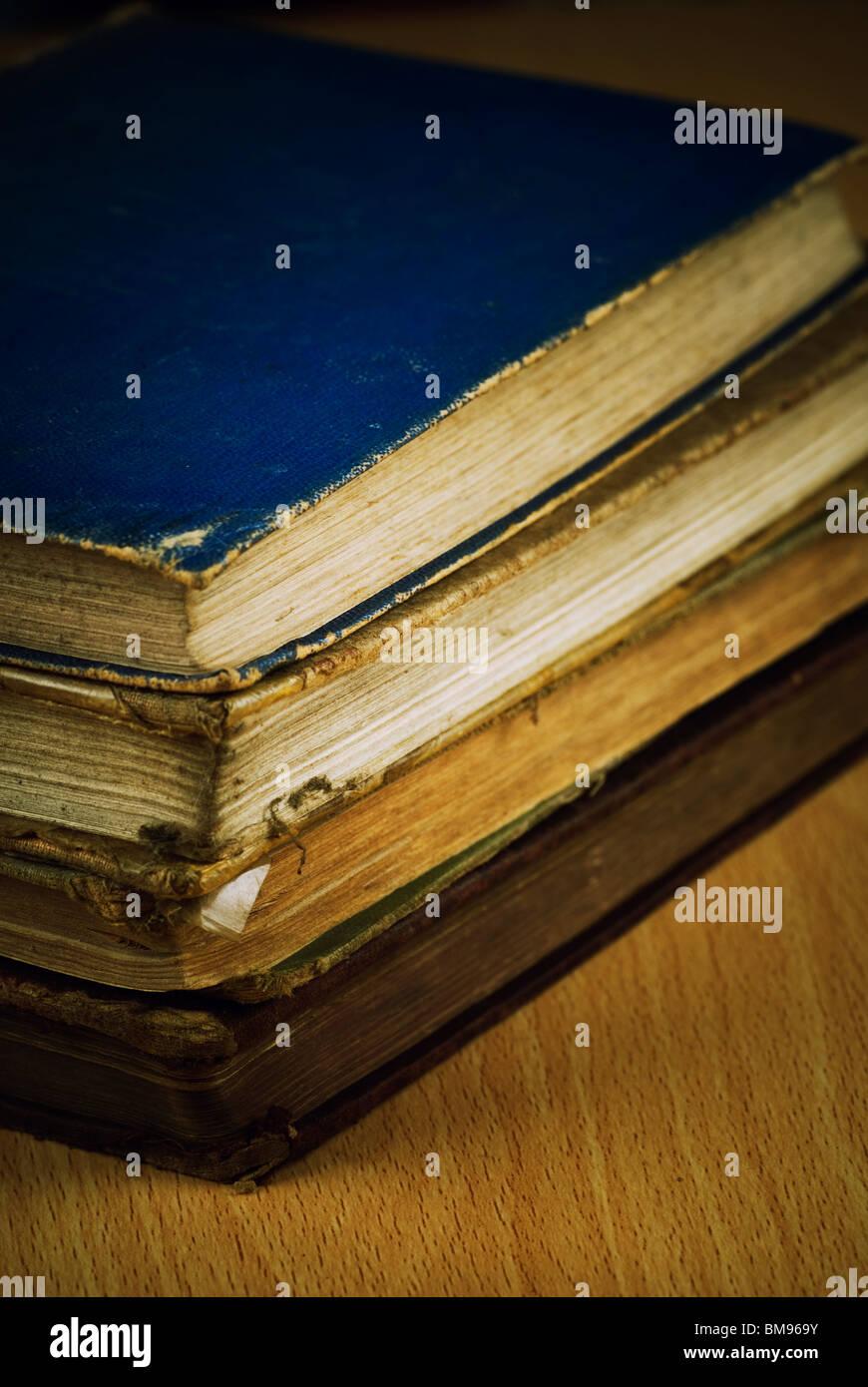 Pile de livres anciens Photo Stock