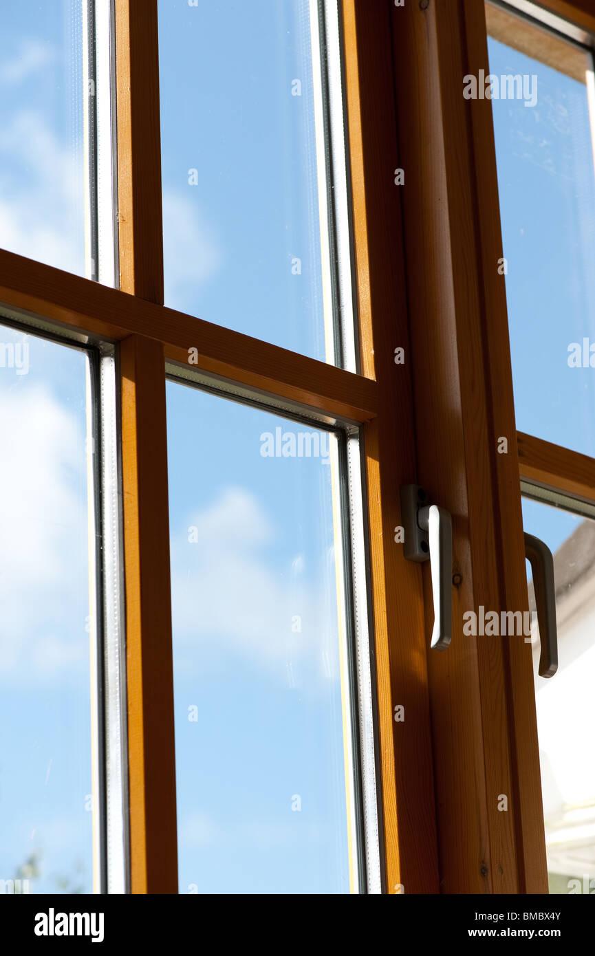 Cadre De Fenêtre En Bois Photos Cadre De Fenêtre En Bois Images