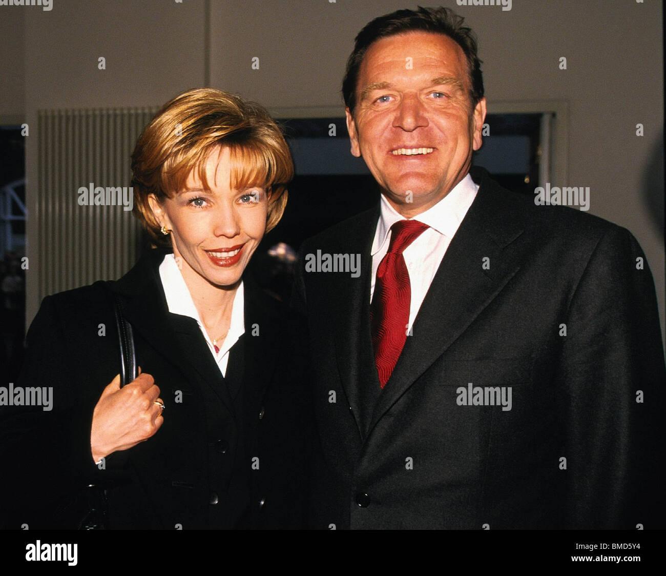schroeder et la yougoslavie mai 1999