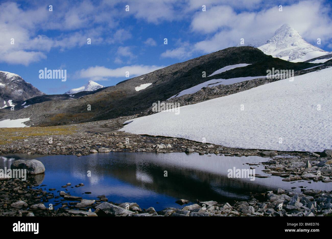 Vue de paysage de montagne couvert de neige Photo Stock