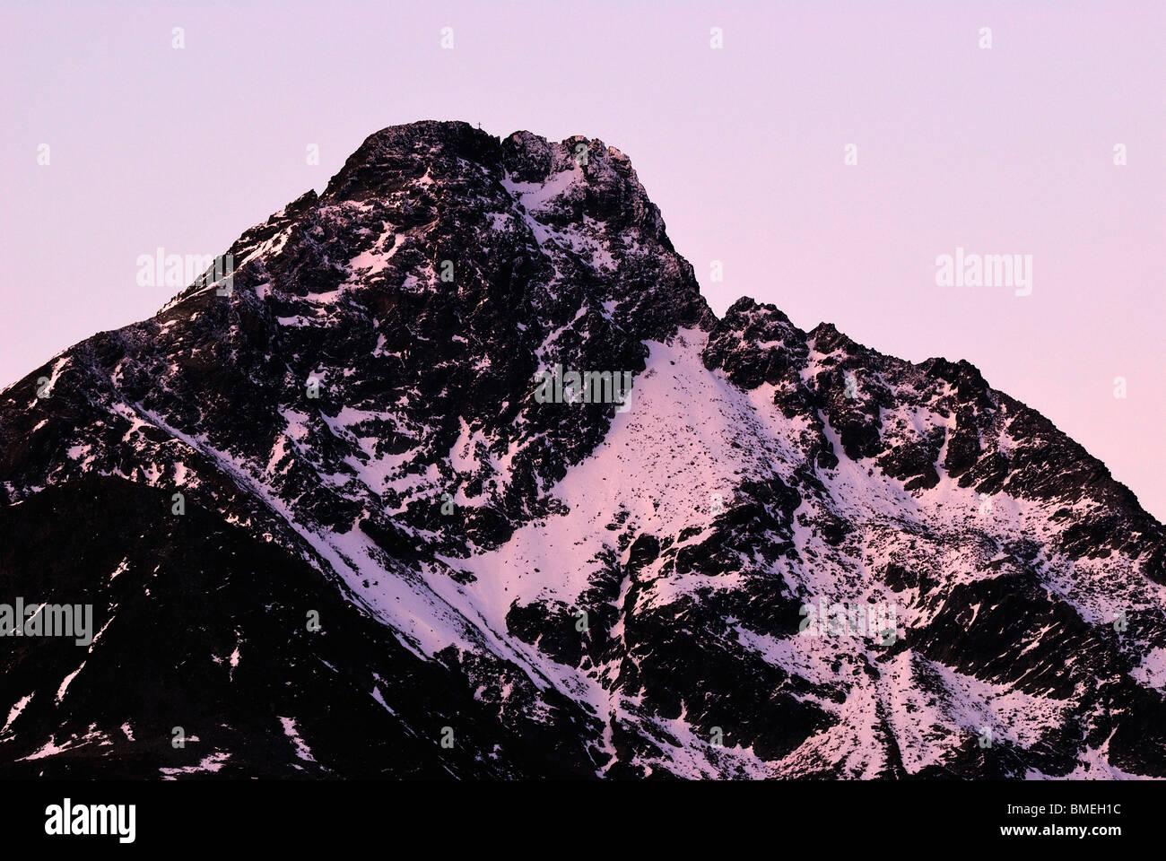 L'Europe, Autriche, montagne enneigée à l'aube Photo Stock