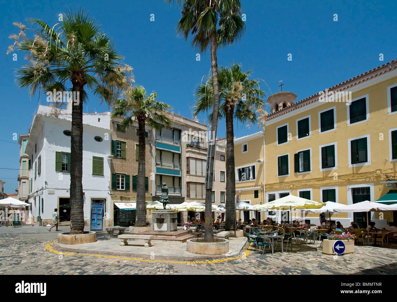 Terrasses des cafés dans le centre de Mahon, Minorque, Baleares, Espagne Photo Stock