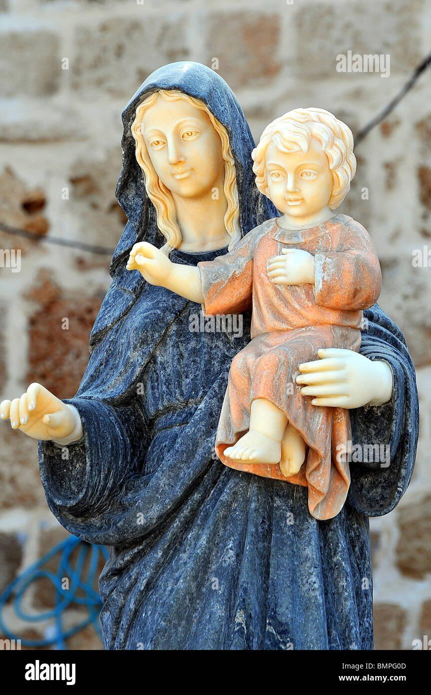 Israël, dans l'ouest de la Galilée, Acre, la vieille ville de l'Art religieux chrétien Marie avec l'Enfant Jésus Banque D'Images